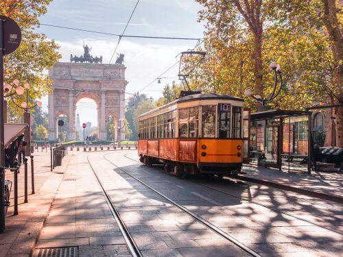 SCIACQUATEVI LA BOCCA, SU MILANO