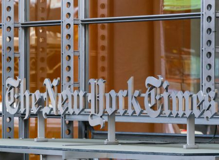 """NEW YORK TIMES"", L'EPOCALE SORPASSO DEL DIGITALE SULLA CARTA"