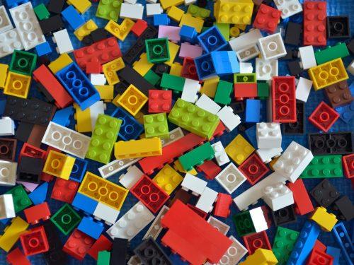 PERCHE' LA LEGO ABOLISCE I SOLDATINI