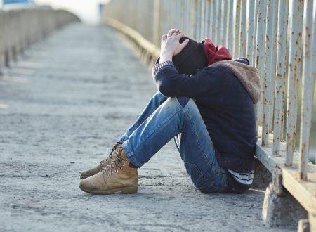 LA SCONFITTA TOTALE: UN PROF SPINGE AL SUICIDIO