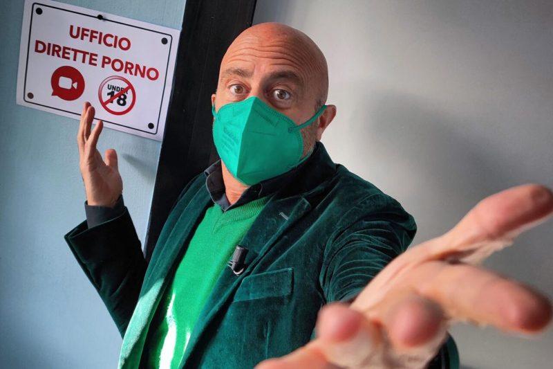 MADE IN ITALY: IL PORNO DELL'UFFICIO LOCULI